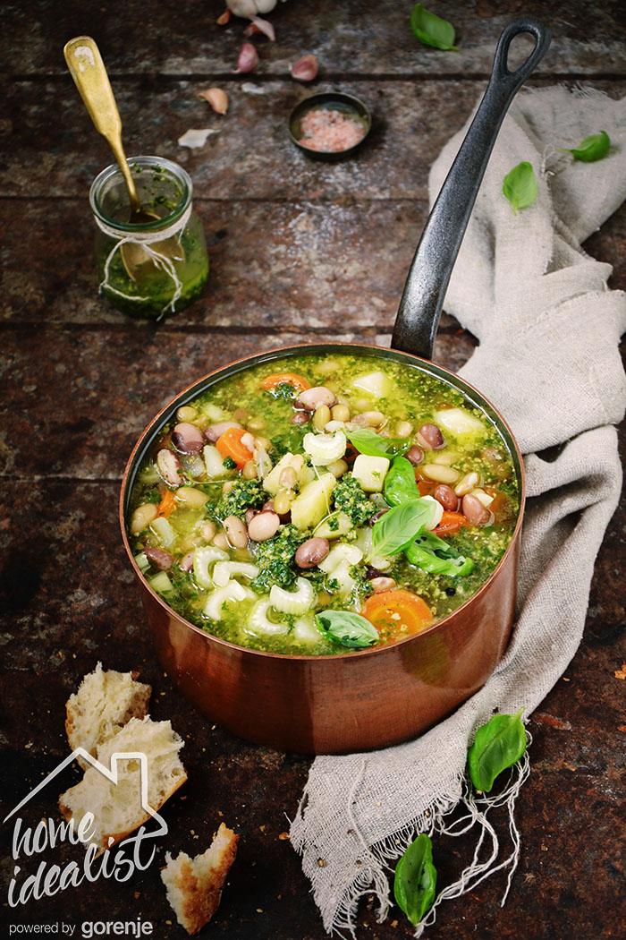 Zupa  warzywna z fasolą i pesto_Water