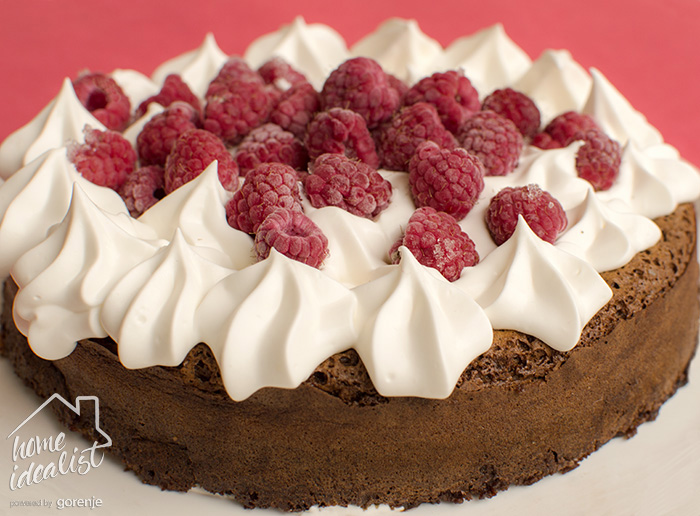 chocolate_raspberry_cake