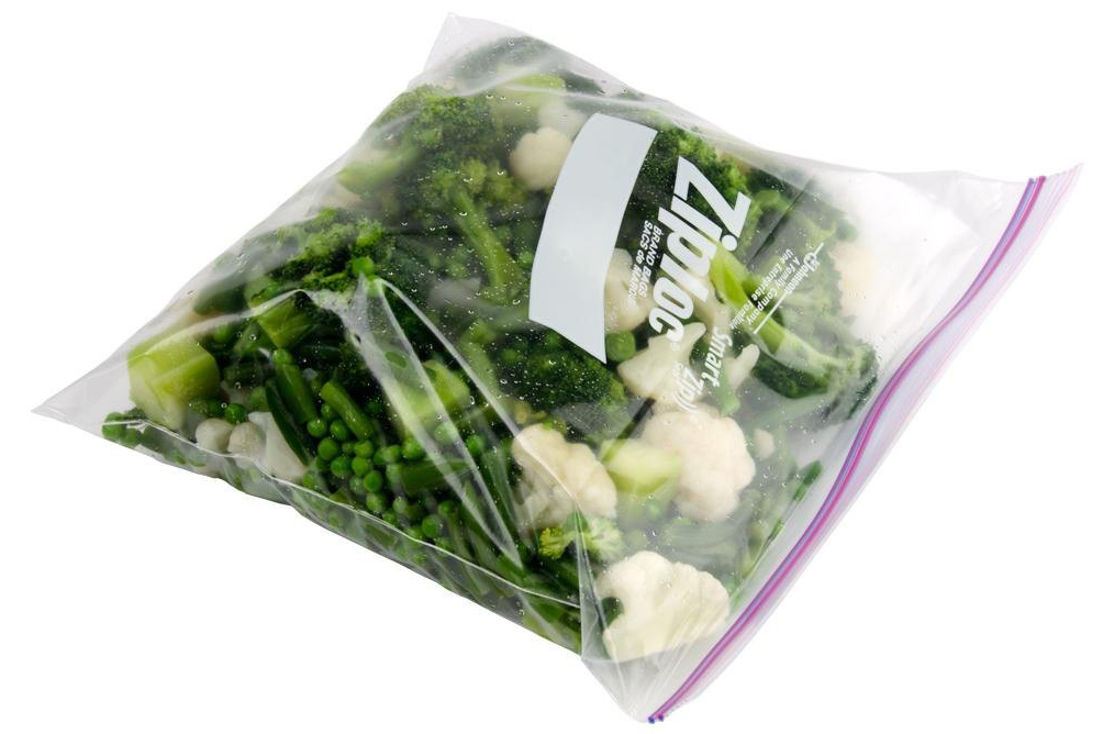 diversey-ziploc-10-9-16-x-10-3-4-one-gallon-freezer-bags-with-double-zipper-and-write-on-label-250-case_resized
