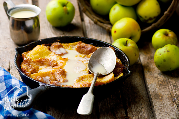 CARAMEL APPLE STRATA in a pig-iron frying pan.