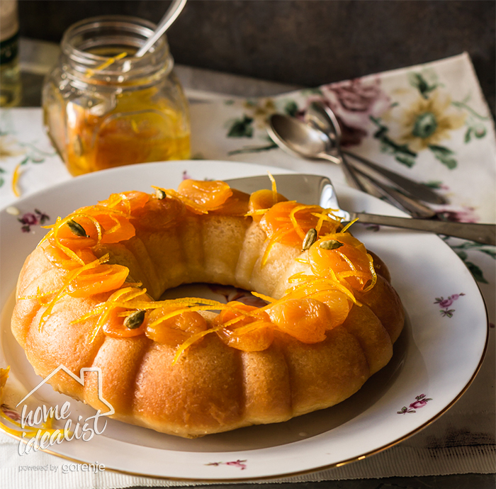 savarin_with_dried_apricots