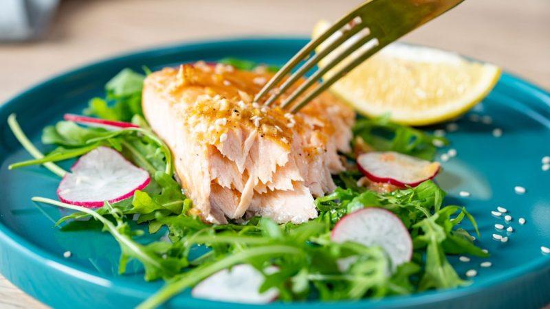 maple-glazed-salmon-1